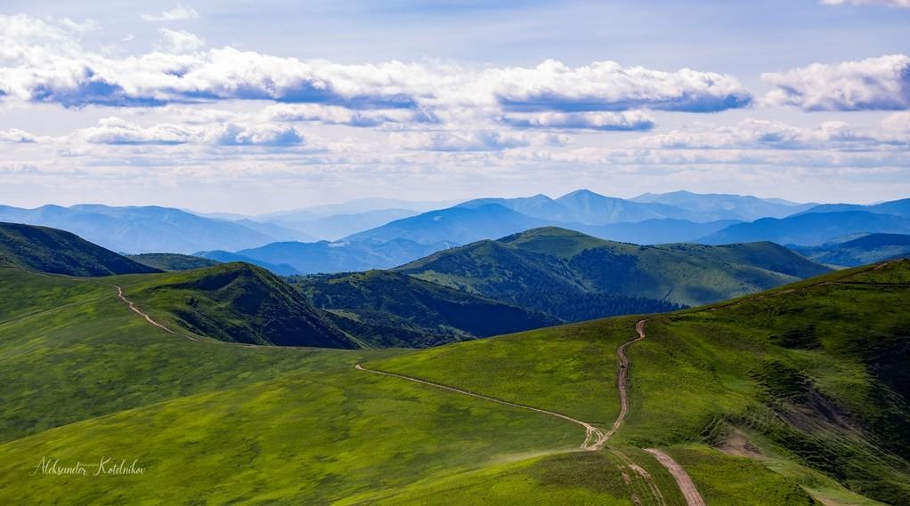 Закарпатські Альпи: Похід полонинами Пікуй та Руна.
